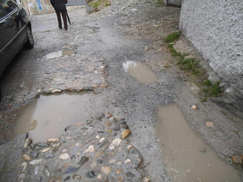 Aspecto de la calle Zenete encharcada en febrero de 2014