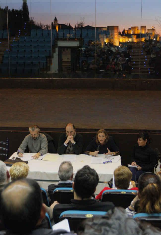 Junta Distrito de febrero 2014 celebrada en La Chumbera. Asiste la Concejala de Urbanismo Isabel Nieto para informar sobre el PEPRI.