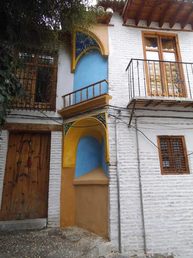 Estado en que se ha quedado la fachada de este famoso rincón junto al Aljibe de Trillo.