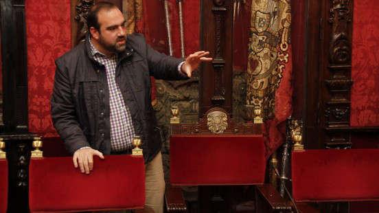 Francisco Puentedura (IU), antes de la rueda de prensa de este lunes. Foto: Álex Cámara