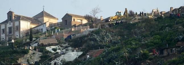 desalojo cuevas Aceituno ID2014c