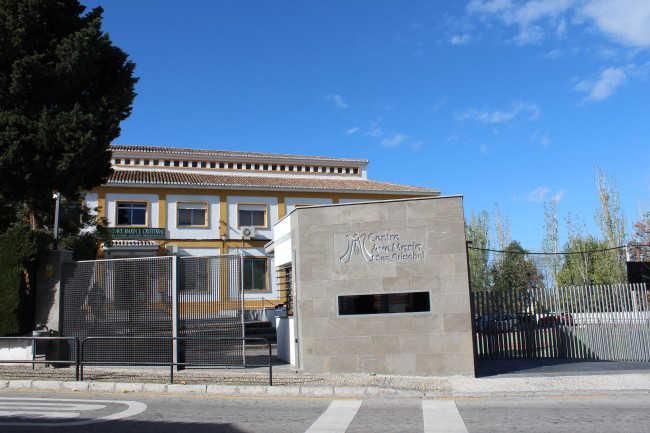 El colegio Ave María, en la carretera de Murcia.