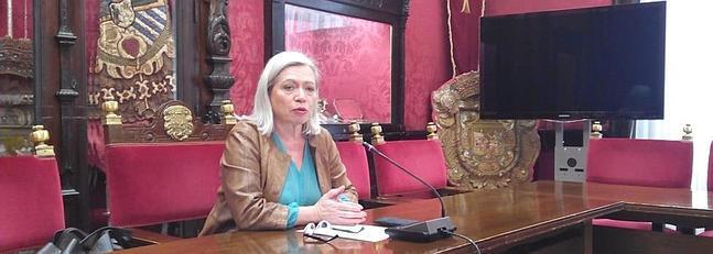 Maria Escudero concejala PSOE en rueda de prensa. ID 2014