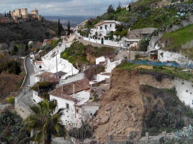 Vista del desprendimiento desde el Museo Cuevas del Sacromonte, abierto al público.