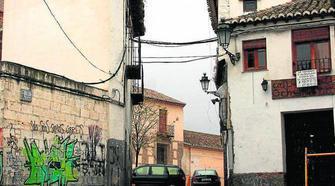 El denso cableado fue una de las críticas de Puentedura. Granada Hoy 2014