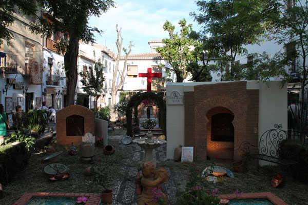 La instalación de Plaza Larga, de la Asociación Cruz de Mayo, ha obtenido uno de los primeros premios. GiM2014