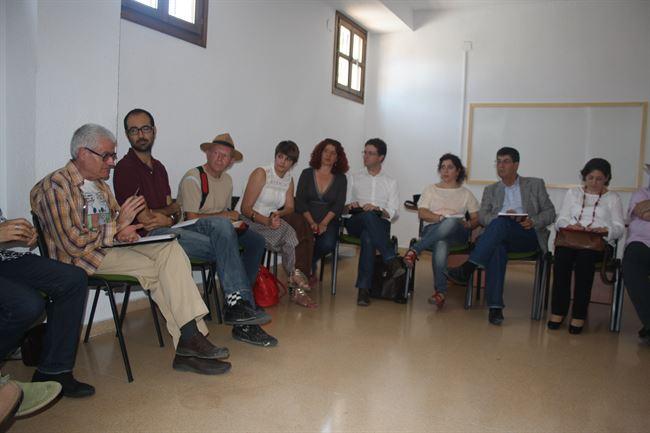 Reunión de vecinos del Albayzín y Sacromonte con el Vicepresidente de la Junta de Andalucía. 2014