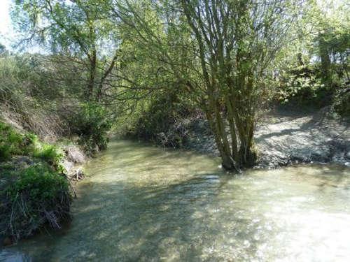 Río Darro. Antes se aprovechaba su agua para cultivar el valle
