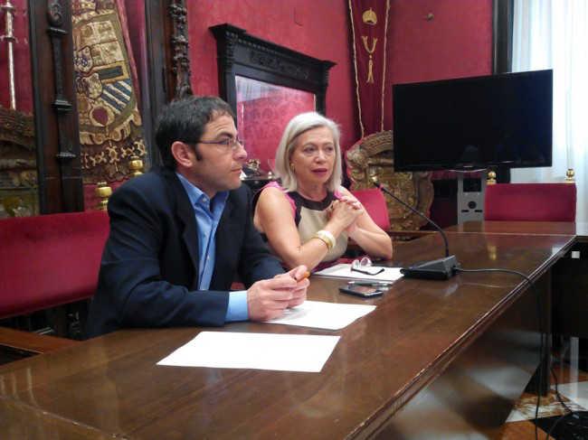 Miguel Ángel Fernández Madrid y María Escudero, en su comparecencia informativa. GiM 2014