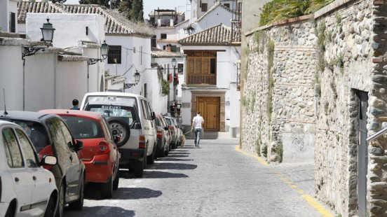 Los socialistas no están de acuerdo con la actuación del PP en el barrio granadino. Foto: Álex Cámara