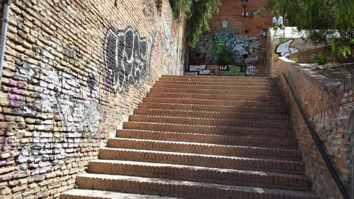 Aljibe Zenete 2014 escalera