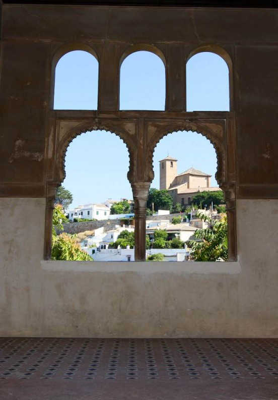 El Palacio de Dar al-Horra se construyó en el siglo XV sobre los restos de un palacio zirí y sigue la tipología de casa hispanomusulmana, con miradores en la planta alta. Foto: AGR.