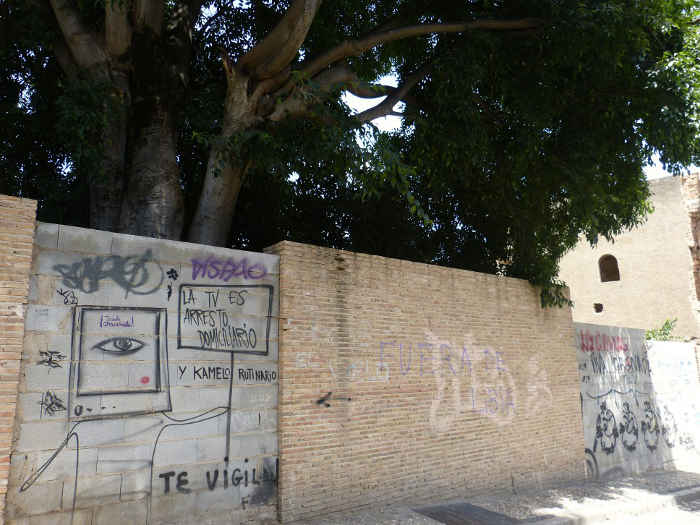 Pintadas muros Placeta los Olivos GD 2014