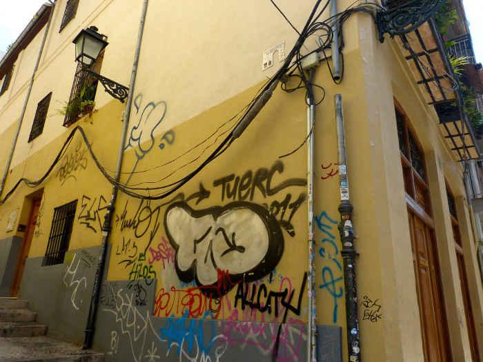 Pintadas en  Molino Corteza  esquina con calle ElviraGD 2014