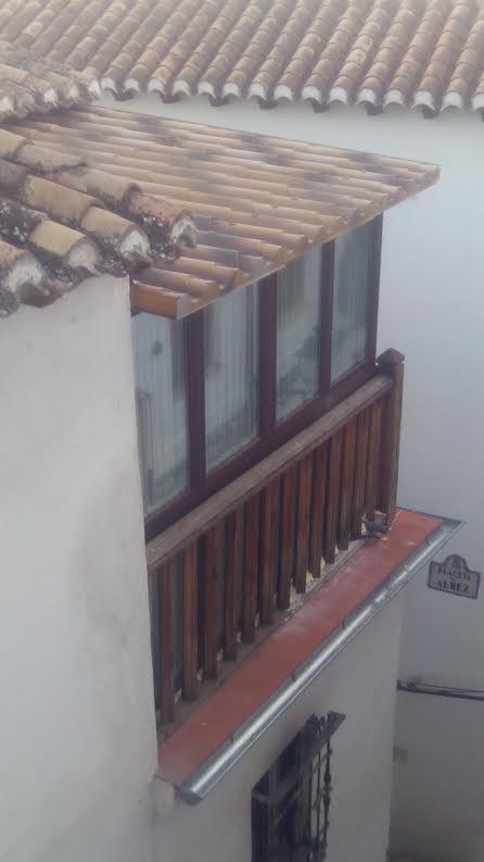 Tejados prefabricados para convertir balconada en for Tejados prefabricados