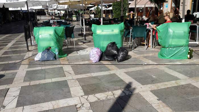Contenedores Plaza Nueva cerrados 20 agosto 2014