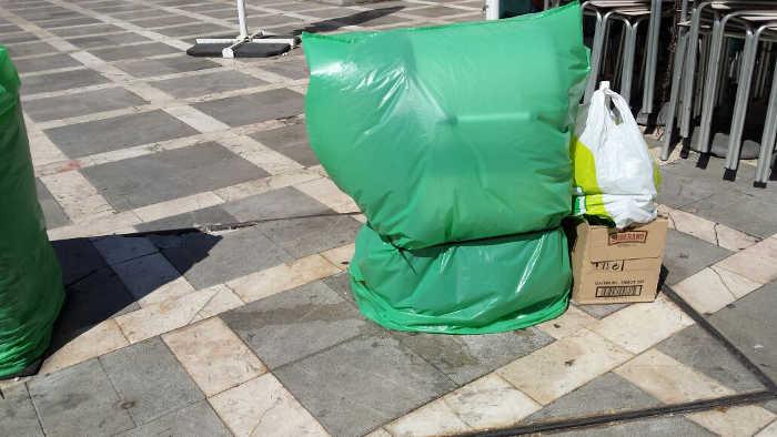 Contenedores Plaza Nueva 20140829