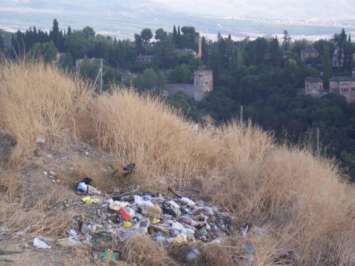Basura en el Cerro del Aceituno San Miguel Alto 2010