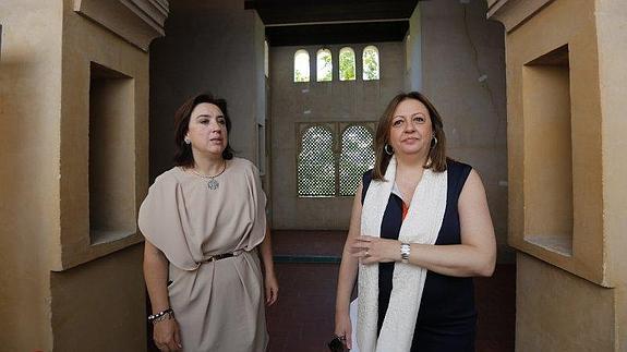 Sandra García y María del Mar Villafranca han visitado el edficio / ALFREDO AGUILAR