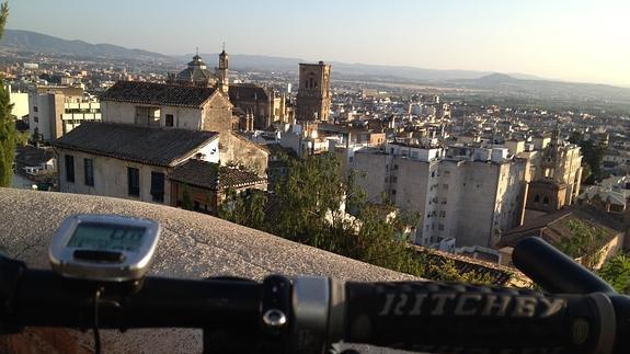 Vistas de la Catedral desde el Albaicín. / A. M.  Ideal 2014