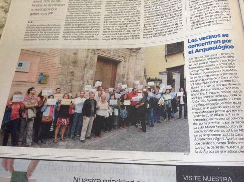 Concentración a las puertas del Museo Arqueológico pidiendo su reapertura. Granada Hoy. 28 de septiembre 2014