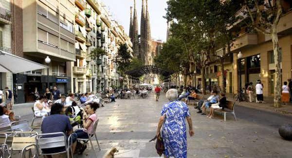 Barcelona gana el premio Bloomberg con un plan de ayuda a los mayores