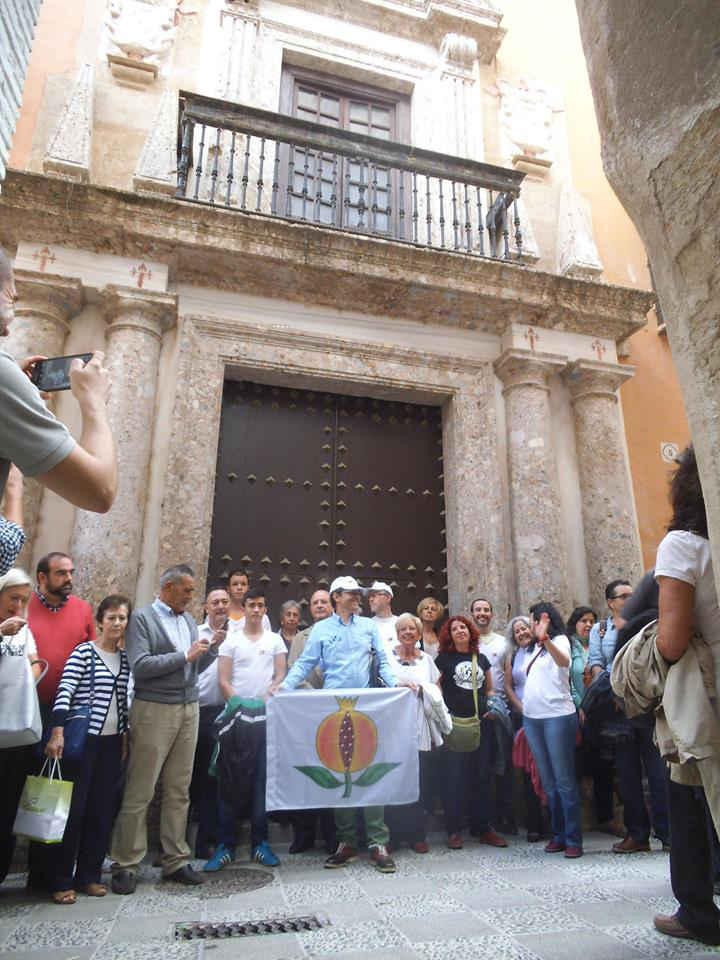 Concentración a las puertas dela Casa de Ágreda contra su venta por el Ayuntamiento. Septiembre 2014