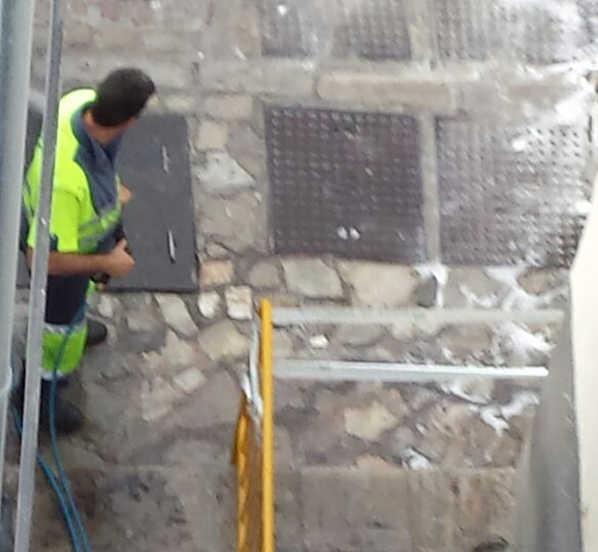 Limpieza de la Carrera Darro junto al Bañuelo 20140918