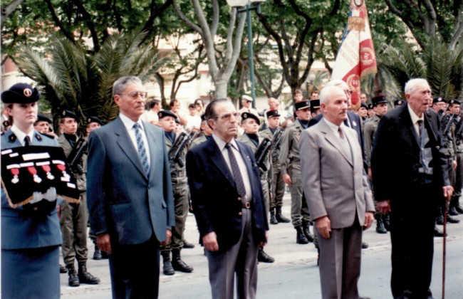 Ramón Gualda, en el centro, el día que fue nombrado Caballero de la Legión de Honor Francesa. GiM 2014