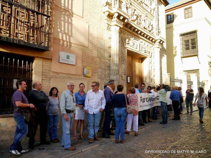 Sexta concentración ante las puertas del Museo Arqueológico. Octubre 2014