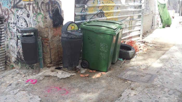 Calle Zenete y aparcamiento basura 20141011