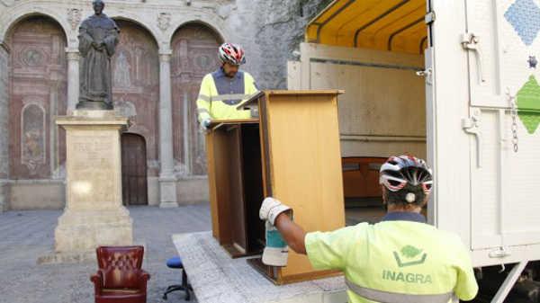 » Adios a los muebles viejos por arte de magia » Asociación Bajo Albayzín