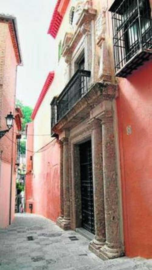 Fachada de la Casa Ágreda, situada en el Albaicín.
