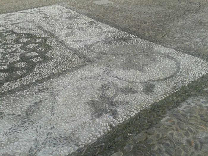 Empedrado arreglado en la Placeta San José 20141220