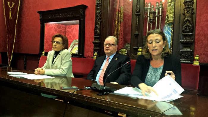 Gamez, Recuerda y Nieto durante la intervención en el Ayuntamiento. GD 2014