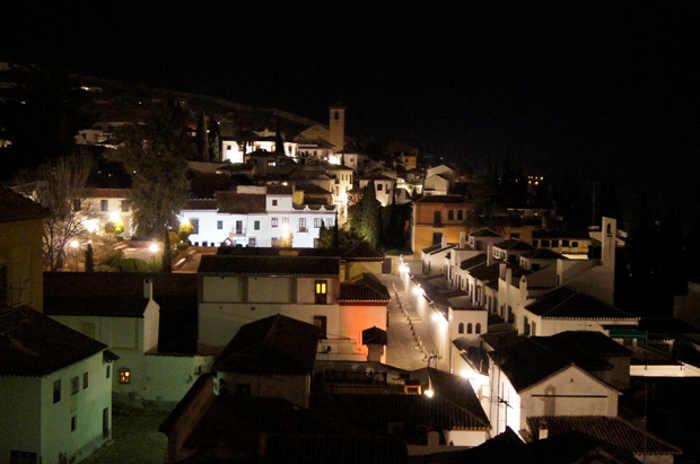 Vista del Albayzín de noche RG 2014