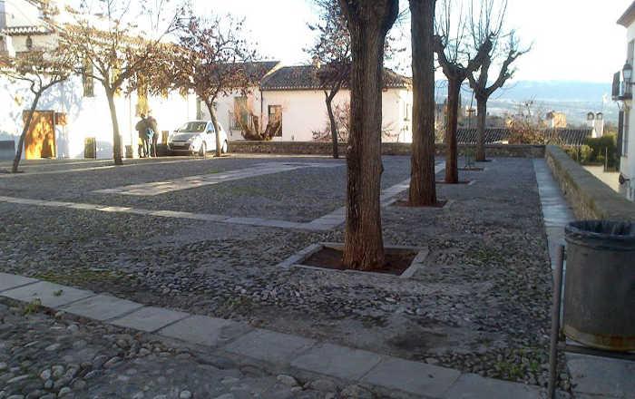 Plaza de San Nicolás sin coches el 23 enero 2015  durante el acto del centenario del Colegio