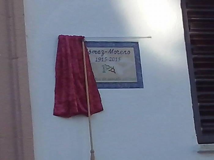 Placa conmemorativa del centenario del colegio (Foto de Margarita Marín)