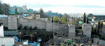"""El informe alerta de que la muralla está en """"completo estado de abandono""""."""
