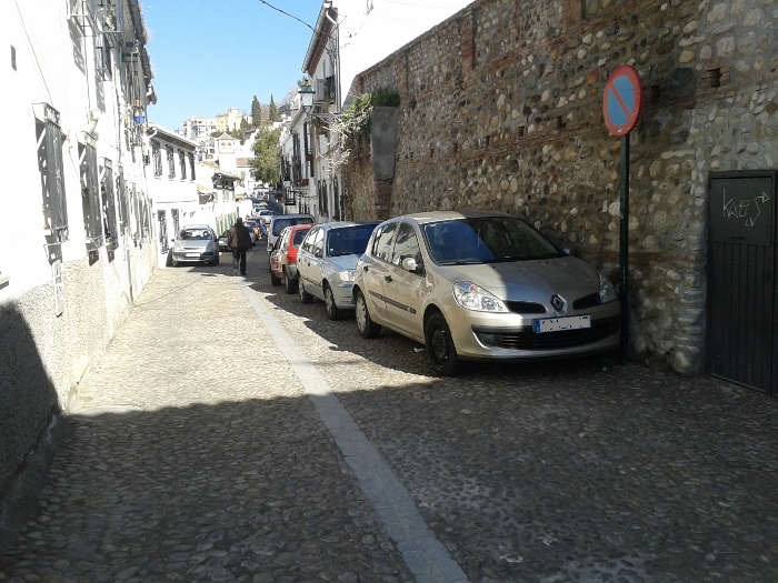 Coches aparcados en Zenete 20150209 b