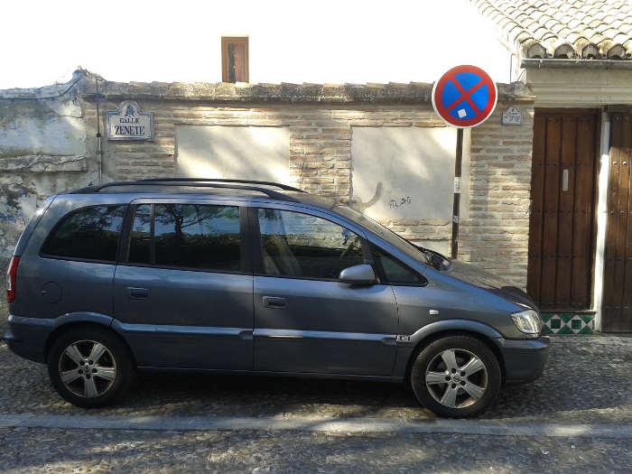 Coches aparcados en Zenete 20150209 e