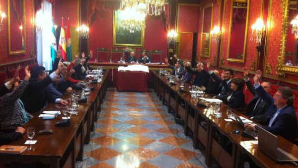 Momento de la votación para la aprobación del nuevo Plan Estratégico de Granada. Foto: aG
