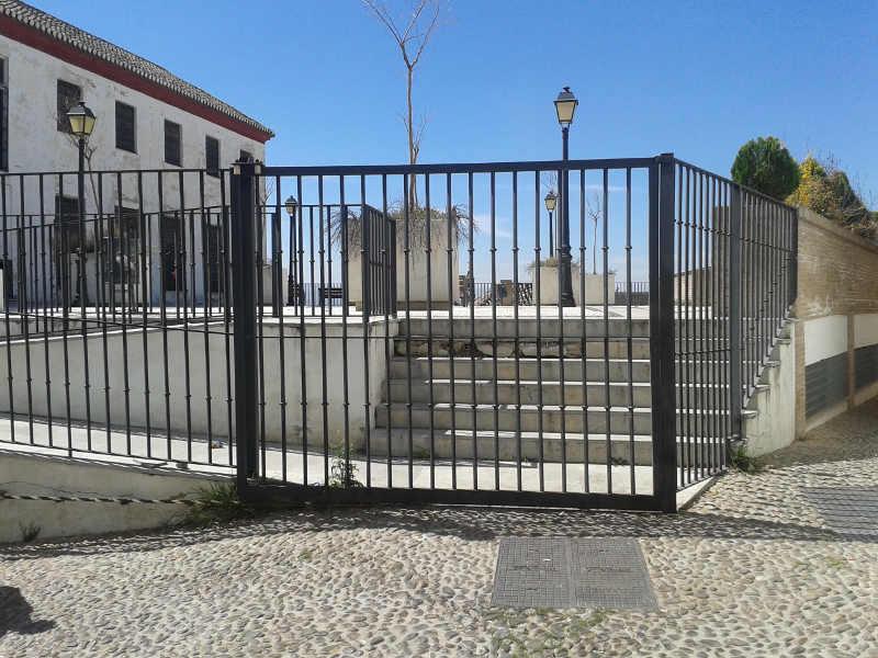 Placeta Alamo del Marques cerrada 20150404
