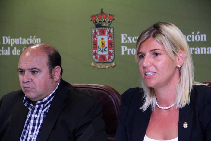 José Antonio Robles e Inmaculada Hernández, diputados responsables de la tasa.