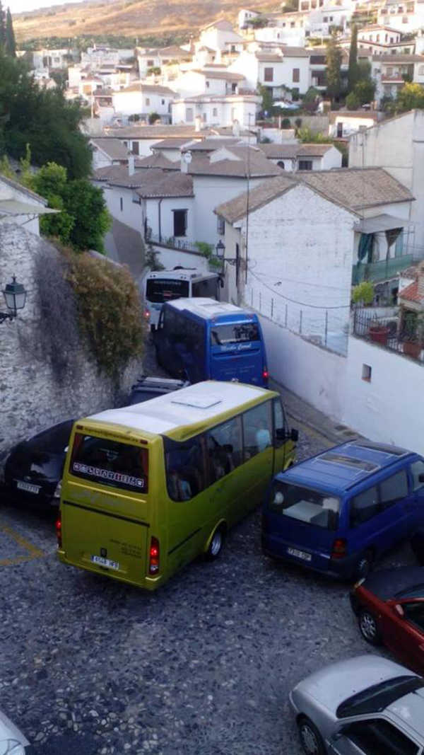 autobuses en Carril San Agustin 2015