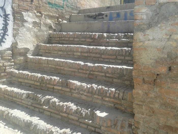 deterioro escalera Ladron del Agua 20150729 b