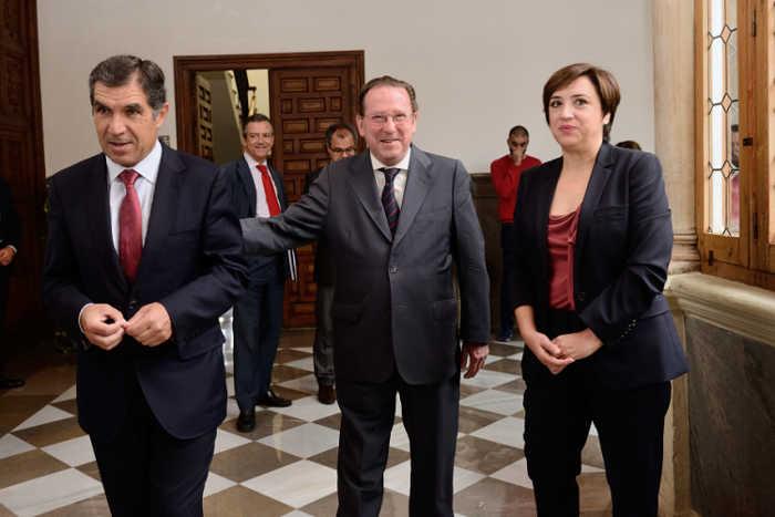 El presidente del TSJA, el consejero y la delegada del Gobierno.