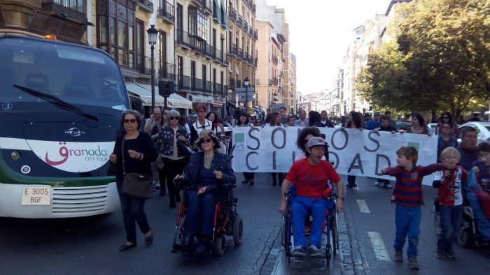 Marcha Somos ciudad calle Elvira 20151108 k