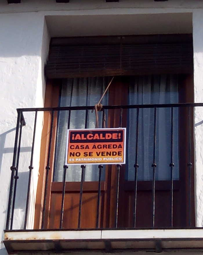 Cartel Agreda balcones 20151203 a