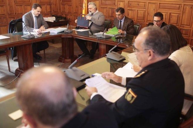 Reunión de la Comisión de Garantías de la Videovigilancia en Granada M. RODRÍGUEZ